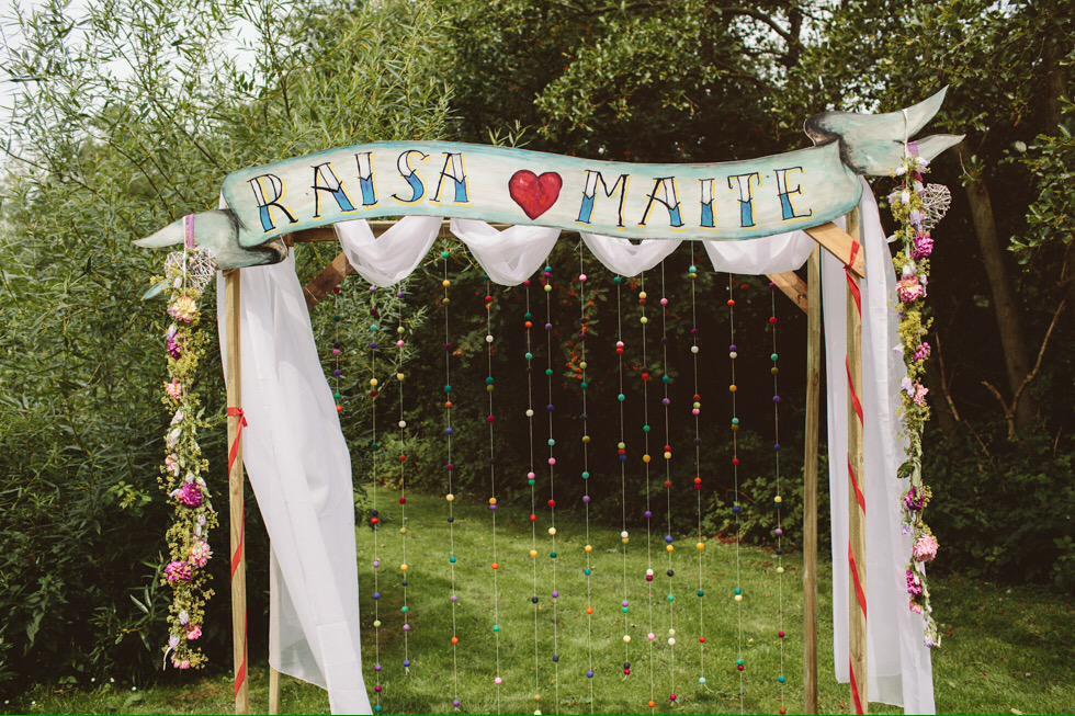 Blackboard Duty On Twitter Wooden Wedding Arch Bruiloft Handpainted Handmade Names