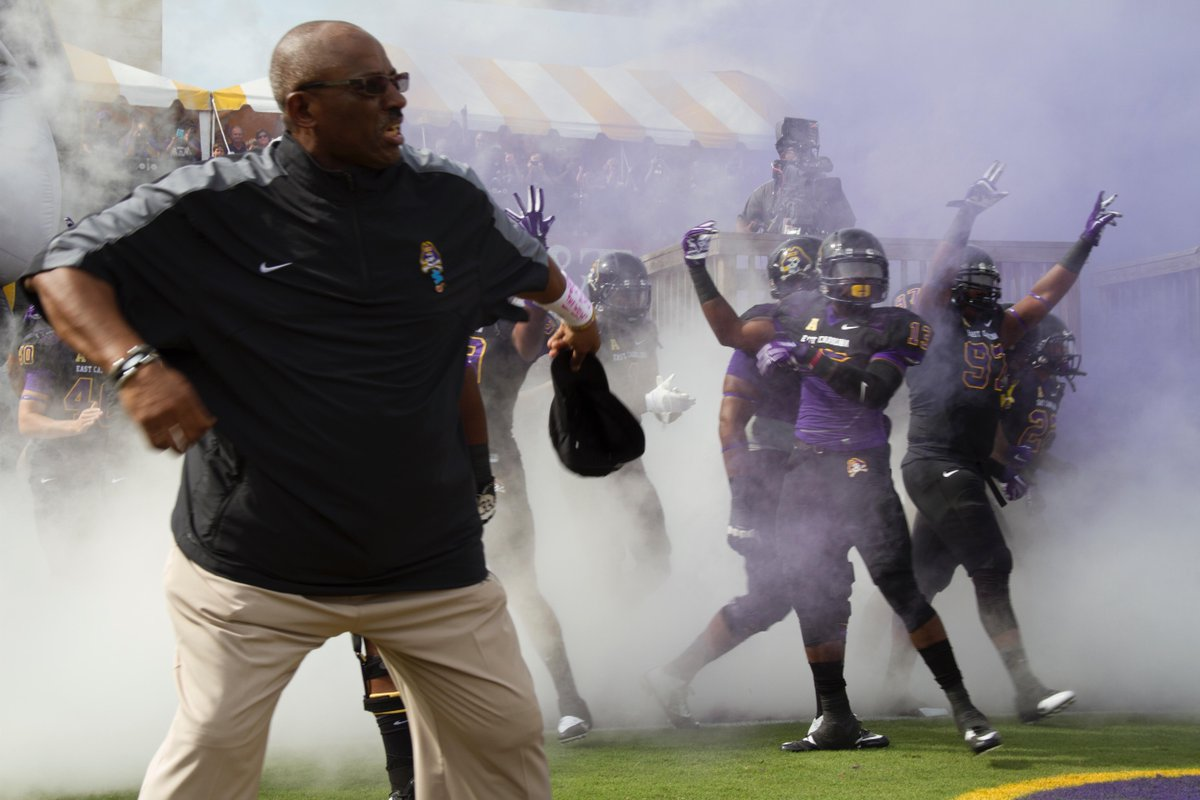 #PirateNation sending out Happy Birthday wishes to @RuffinMcNeill.  We love you Coach!  #ECUBeatBYU http://t.co/F4eFUbzXz3