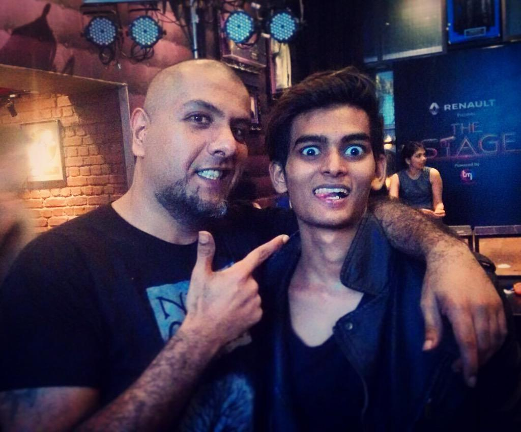He's d most fun judge evr in d history of tv @VishalDadlani  'The Stage' airs tmrw 9pm @colors_infinity #music #fun http://t.co/zYn8AMcJBJ