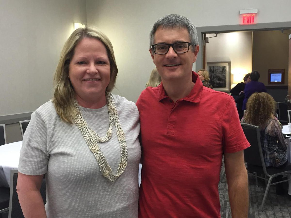 Met the talented @ArtTaylorWriter @Bouchercon @SMFSocy @SinCnational breakfast #SinCatB #bcon2015 http://t.co/dWIxA9H4Ie
