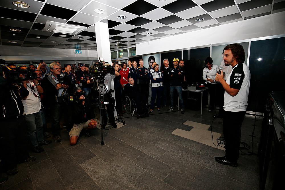 250 GP's de Alonso CQ4uRLVWcAEXCfv