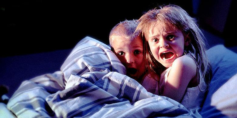 Scream Like A Child: 7 Mean And Hilarious Scare Pranks Played On Kids By Their Parents http://t.co/7UNYdSkaQ9 http://t.co/4u0WCF7YFU