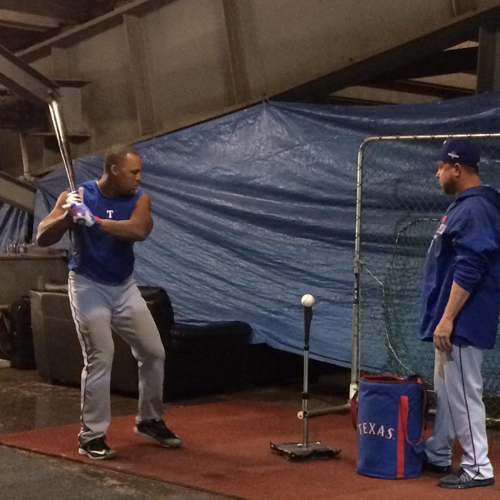 Beltre is hitting off the tee right now. #RangersRedFever http://t.co/F2FgUoWLZX