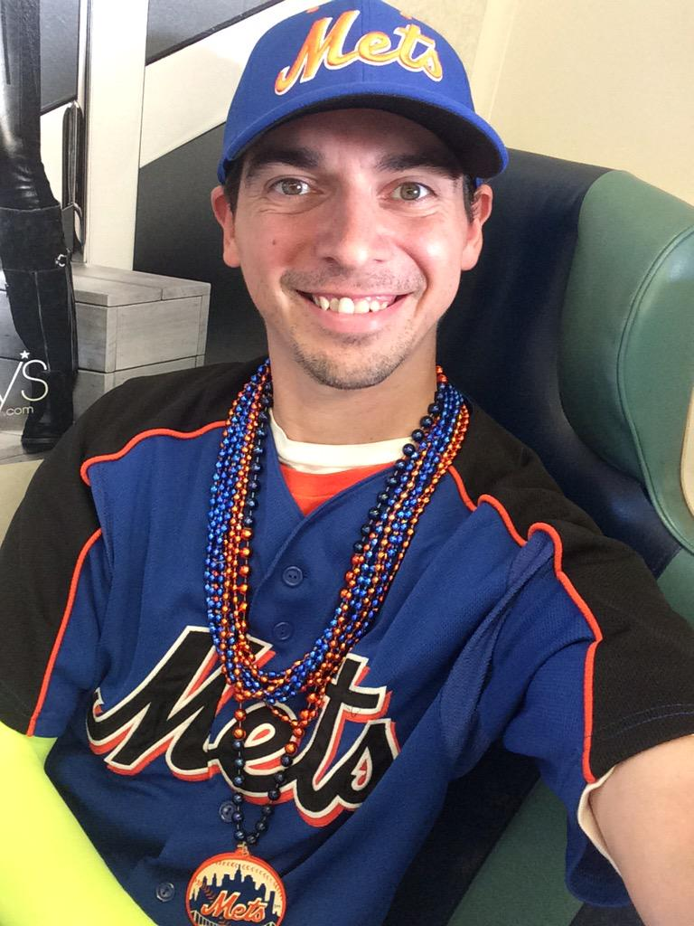 Oh yeah @Mets I'm ready with my orange & blue & @ynscspds arm warmer! #MetsFriday #Metitude #LGM #Postseason #BeatLA http://t.co/FHFTp7yvad