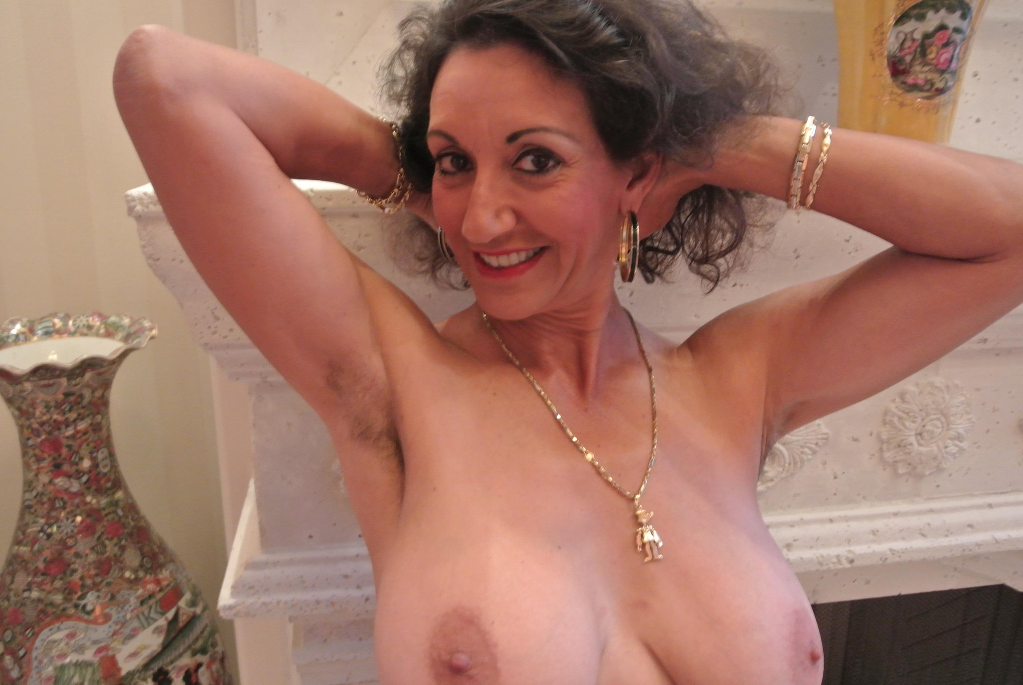 Please where persia monir hairy pussy spread help