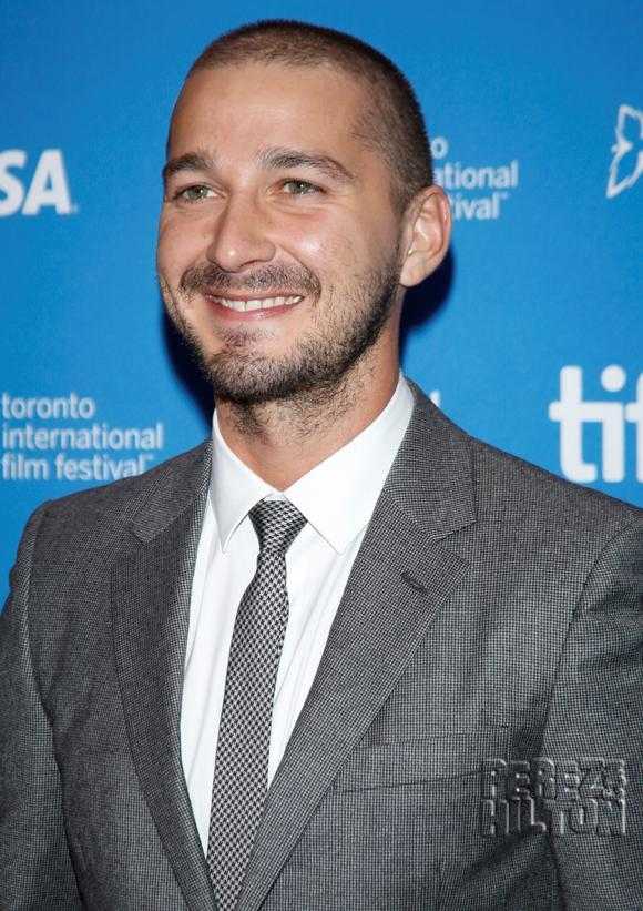 An allegedly intoxicated #ShiaLaBeouf was arrested in Texas! http://t.co/eM7GxJKPvr http://t.co/y7WKQiamu7