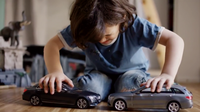 Kids are given uncrashable cars by Mercedes-Benz and they are not happy http://t.co/YlbX1W0z6e http://t.co/ATUZyAsZ27