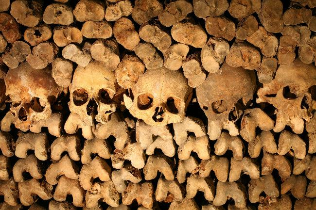 Your Chance to Sleep in the #Paris Catacombs: http://t.co/0WowWmX6vq #airbnb http://t.co/f8K8U79lWH