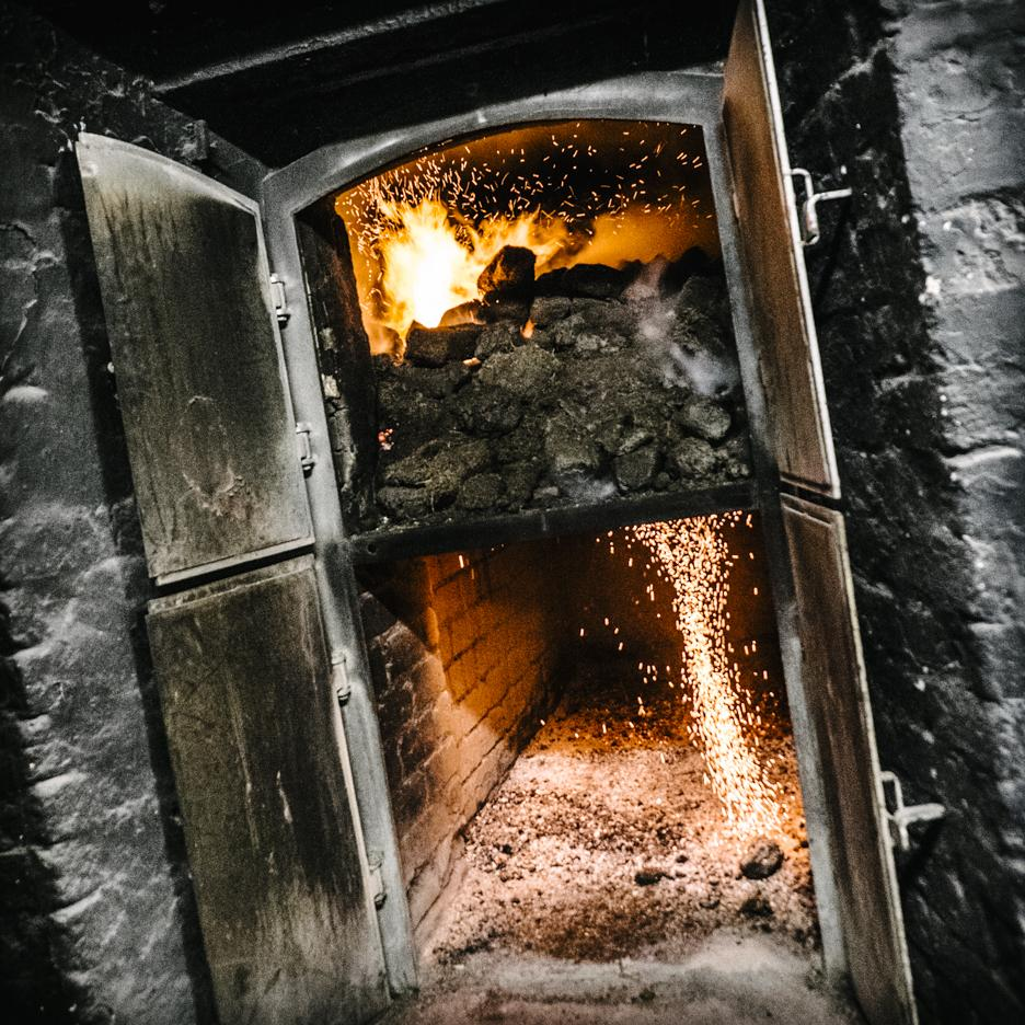 Chilly weather calls for a warm peat fire. http://t.co/0FVmwW3DzR