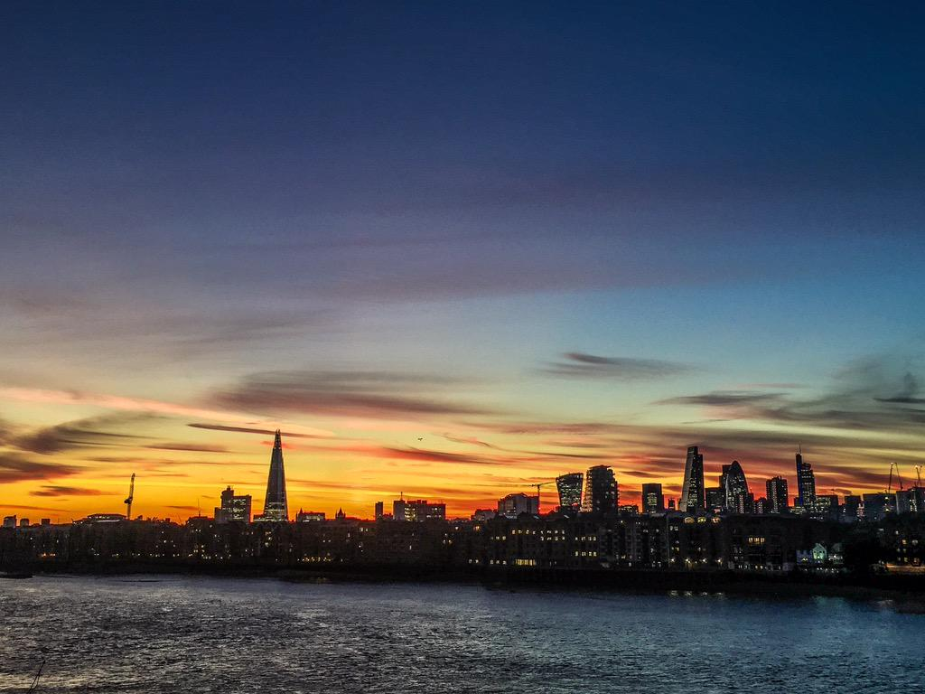 Incredible colours from this evenings sunset taken from @SE16Hour #London http://t.co/nHeijXD0NX