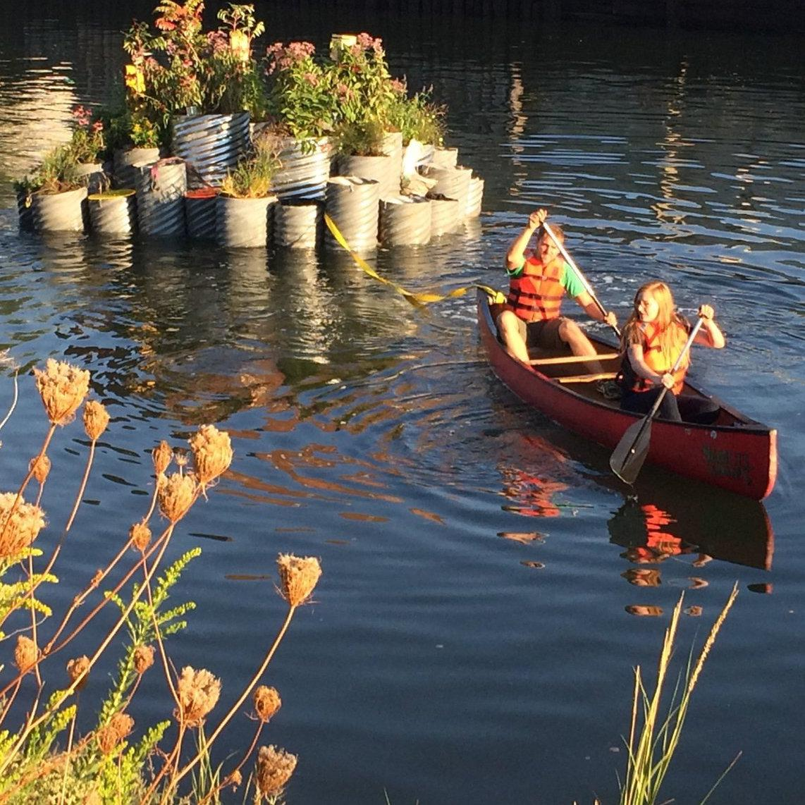 Floating #Garden Blooms On NYC's Most Toxic Waterway: http://t.co/mxoohwOj8a Awesome project @balmorilab! http://t.co/DzZYJGhdAo