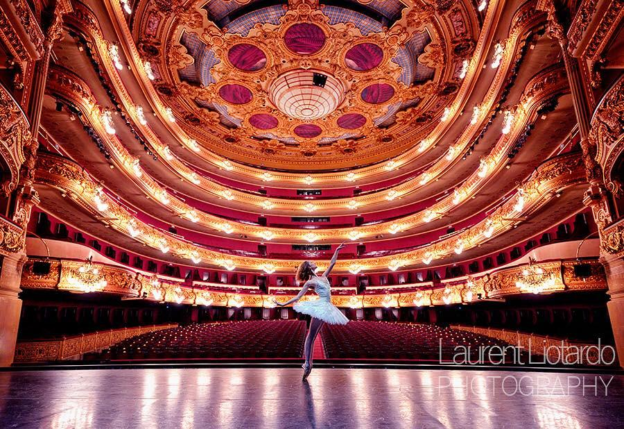 Incredible photo by @BalletandPhotos. Featuring Jeanette Kakareka from @ENBallet at @liceu_cat. http://t.co/mLDPdraSNE