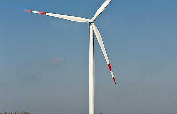 First anti-icing wind turbine blades will power Quebec community http://t.co/eIrKUQlhN7 http://t.co/mAMPIliVFY