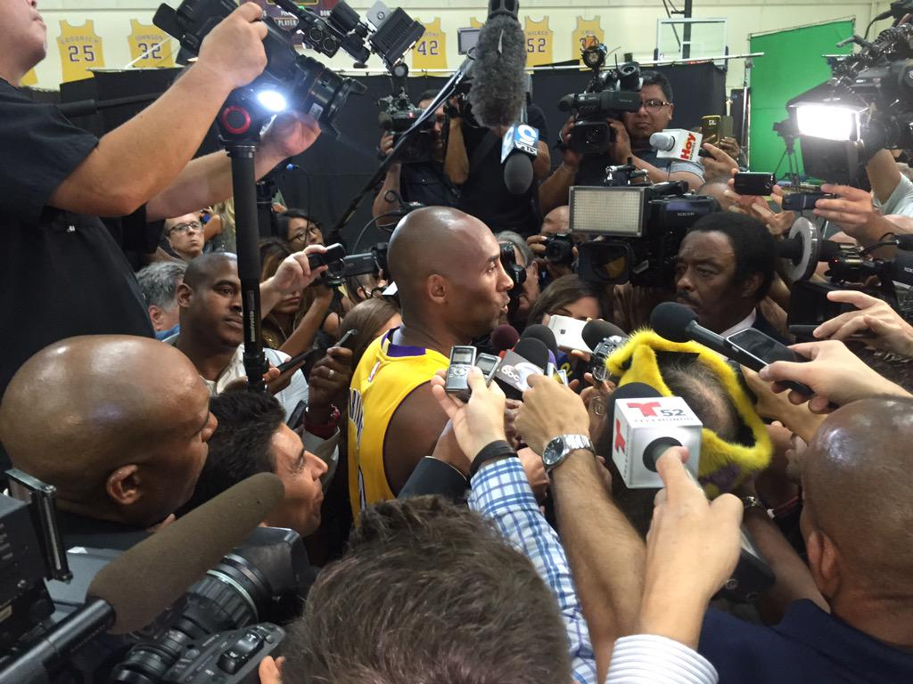 20 years and @kobebryant is still the center of attention! #mediaday #lakers #BlackMamba http://t.co/zmKpf41zut
