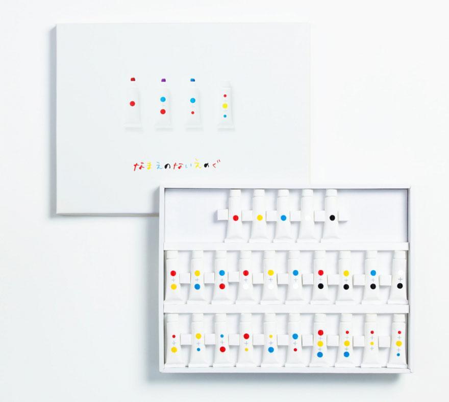 「なまえのないえのぐ」。あえて色の名前を明記しないことで、「色の定義を広げ、色を混ぜることで作れる色彩の多様さ」を子供たちに学んでほしい、という願いが込められているよう。イマイ・ユウスケさんと、モテキ・アヤミさんが2人でデザイン。 pic.twitter.com/lCJy8cstv4