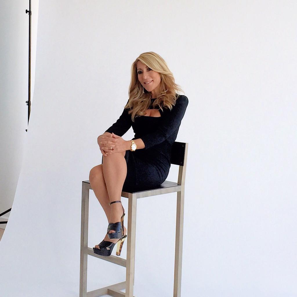 Lori Greiner On Twitter Doing A Photo Shoot For Something Special Sharing Soon T Co Kcppslav