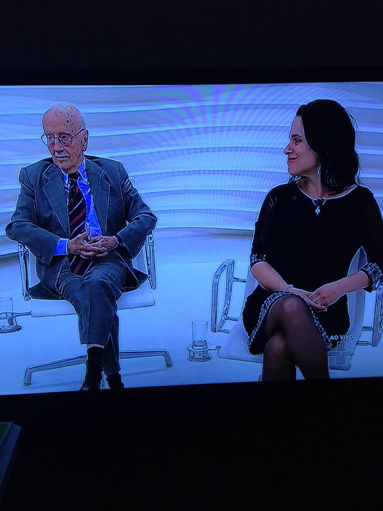 """Janaina Pascoal e Hélio Bicudo abrindo os olhos da população : """" vamos impedir que nos transformem numa Venezuela"""" http://t.co/CkhTZJUiQH"""