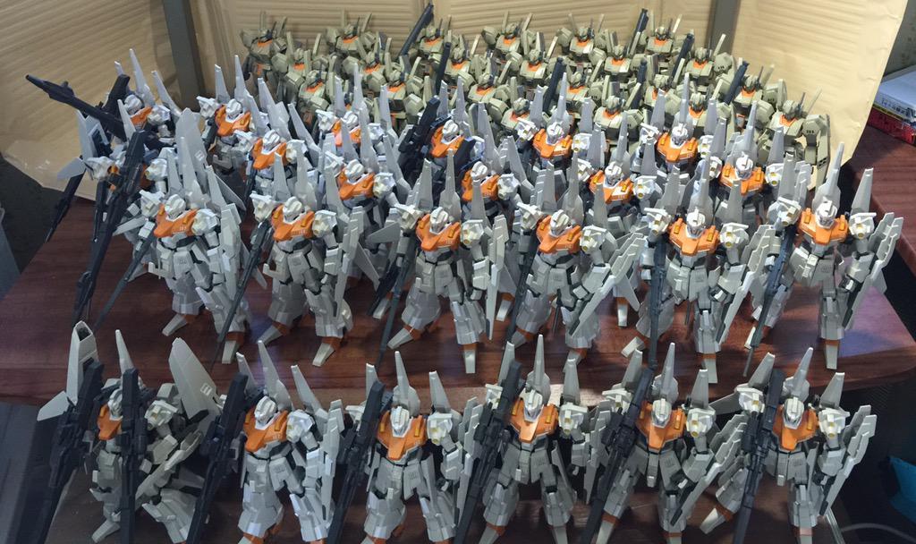 諸君私はA2ジェガンを12機買ったと言ったな?あれは嘘だ実は24機だったんだリゼルも12機買い足したんだそしてついにゼネラル レビル全軍4個大隊48機が完全編成完結したんだ pic.twitter.com/F58XSYyEaV