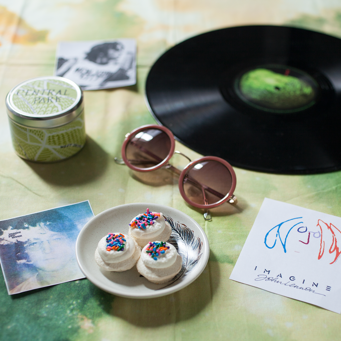 Celebrating @JohnLennon's 75th birthday w/ @lennonbus and this Imagine Cupcake Gift Box http://t.co/dD0vB5Q4NG http://t.co/QUOBD0voN8