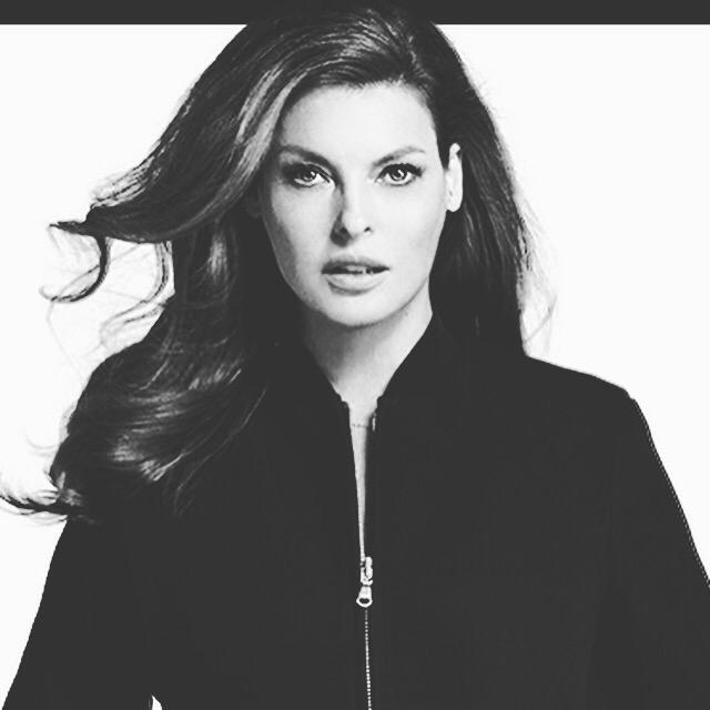 Once a #supermodel always 1! @LindaEvangelista Shops +50 @CFDA designers @MyHabit sale 4 #charity! #GiveWithStyle http://t.co/cnXXD68gk0