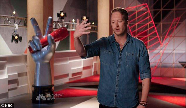 His name is @BarrettBaber as seen on @NBCTheVoice the next star in #countrymusic https://t.co/uHEPi8nd9N http://t.co/ECCB8YEqeO