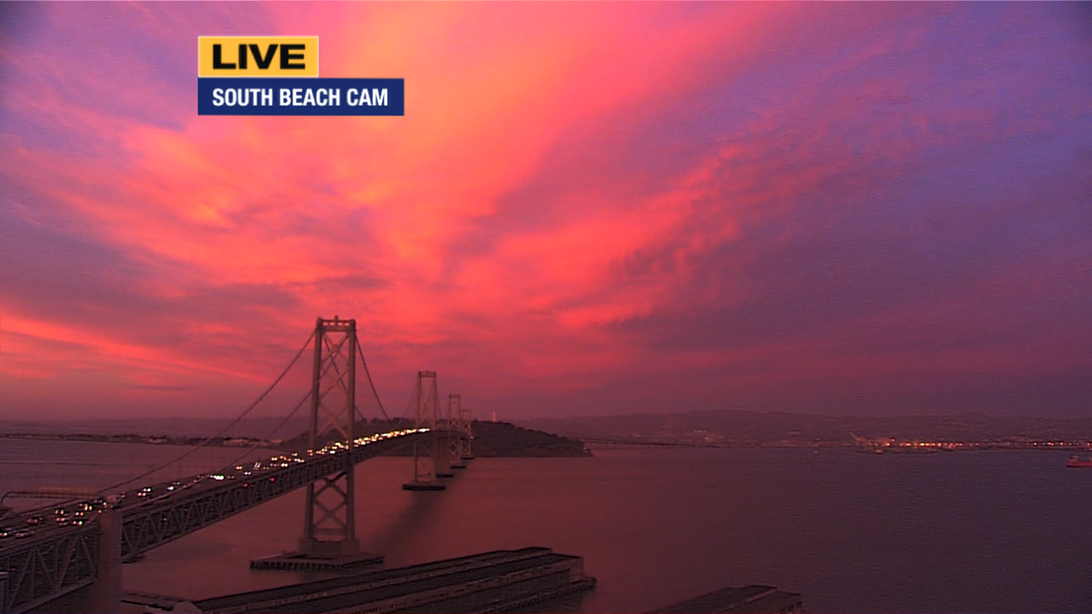 Incredible burst of color as the sun's setting!  I had to share this w/you!  Send your pics w/ #abc7now tag. http://t.co/pRJU6MAAkH