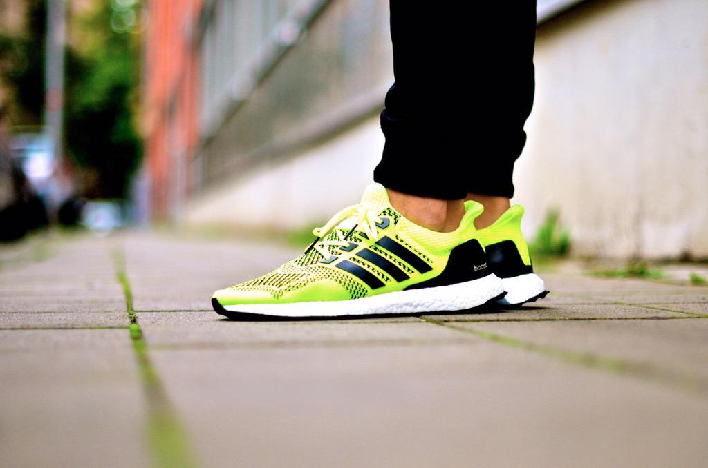 Adidas Ultra Boost Volt