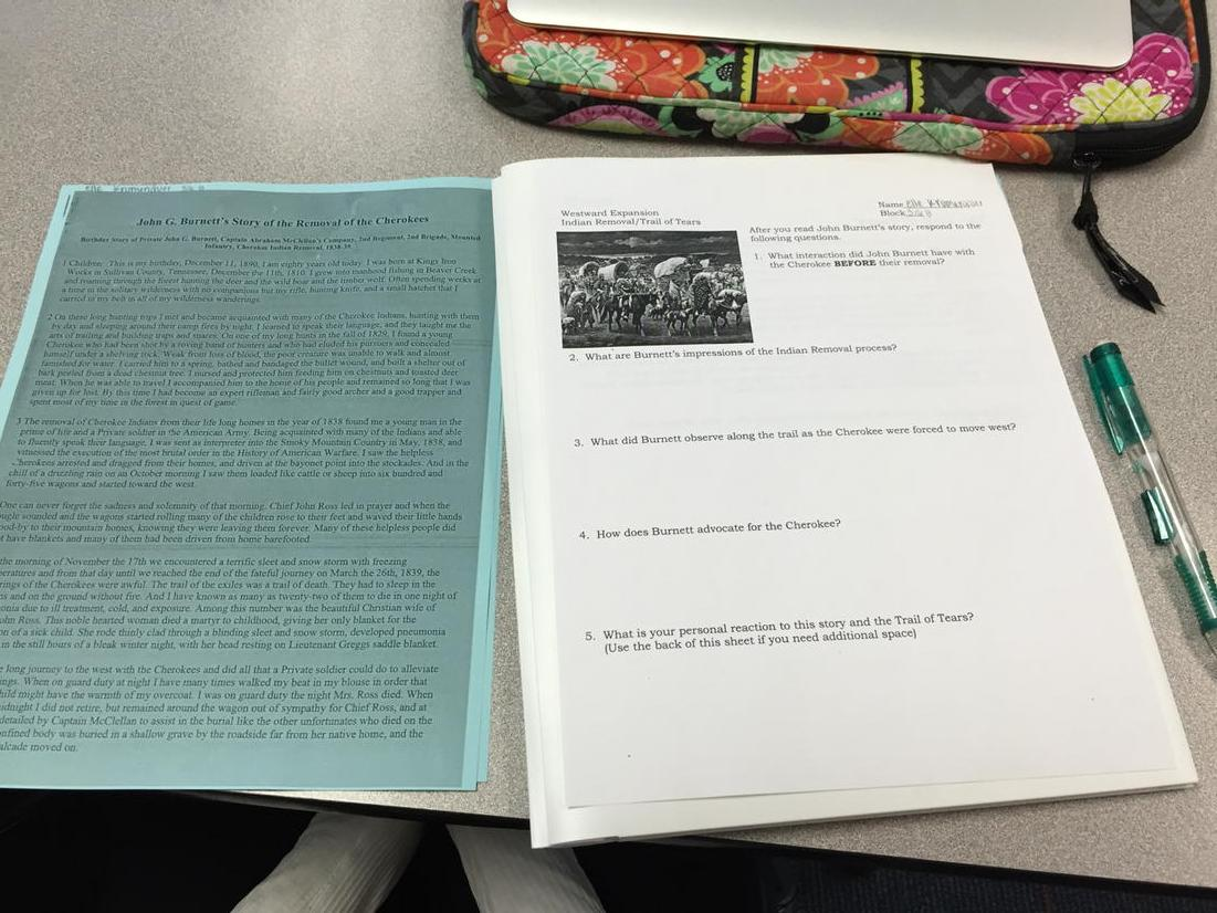 Preparing for seminar with primary document reading in.  7 th grade. #SVstory http://t.co/8VOaeH6v4i