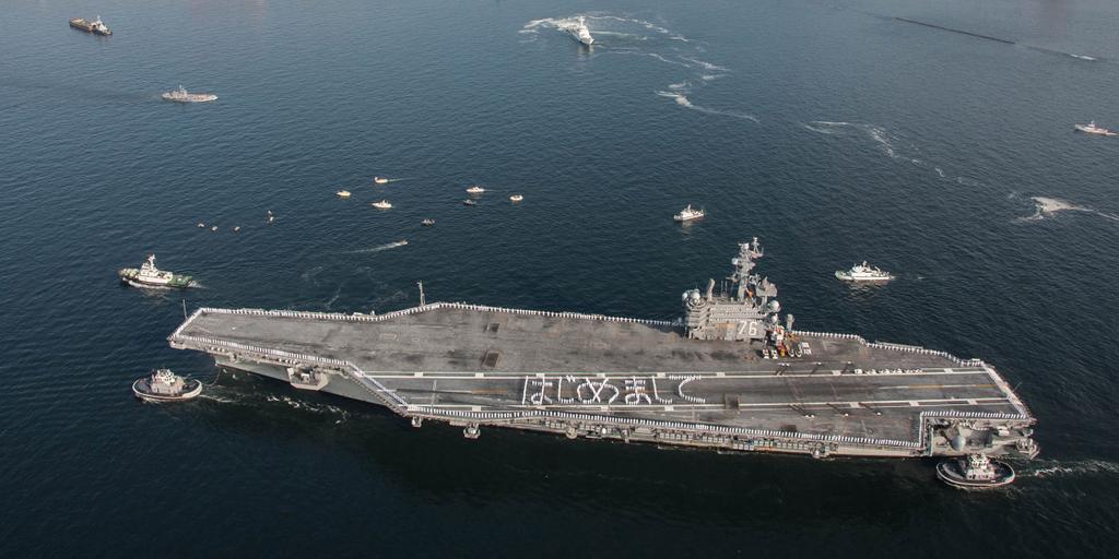 空母ロナルド・レーガンの乗組員たちから日本の皆様へご挨拶です。(^^)/ (U.S. Pacific Fleet 公式ツイッターより)twitter.com/USPacificFleet… pic.twitter.com/cIX3BY25jj