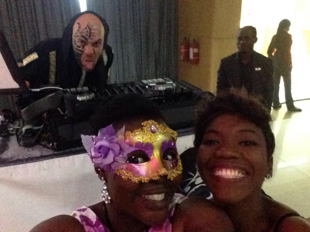 We are here live #q21solutions @DjSose is ready for the after party #tinselcharityball http://t.co/dSF8XfFywm