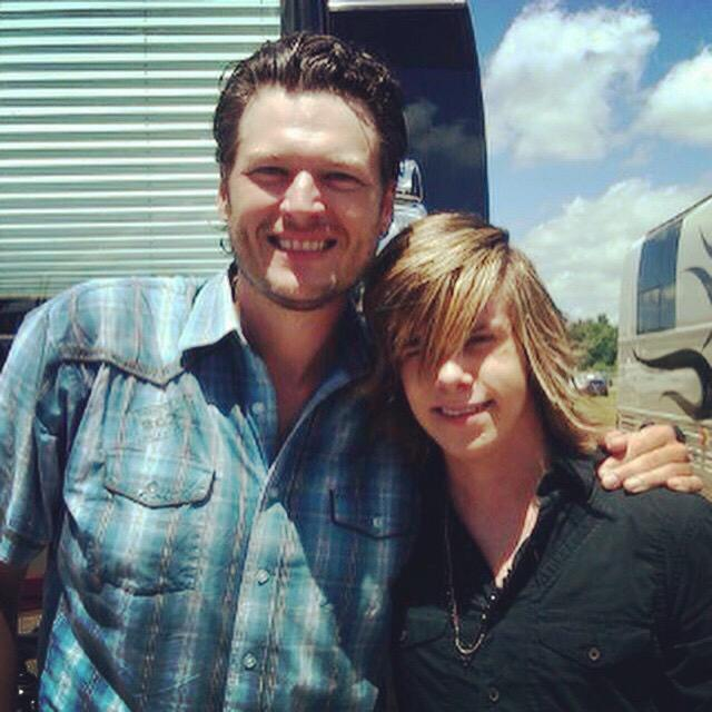 @blakeshelton and I doing a radio show back in 2010! @NBCTheVoice #thevoice #teamtyler #SECONDCHANCES #teamblake http://t.co/psmQkx64BR