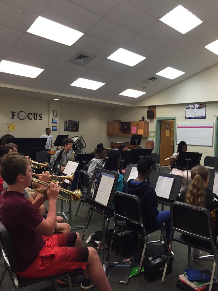 Visiting Ms. Baginski class!!! #band #talent http://t.co/jAojJcATd4