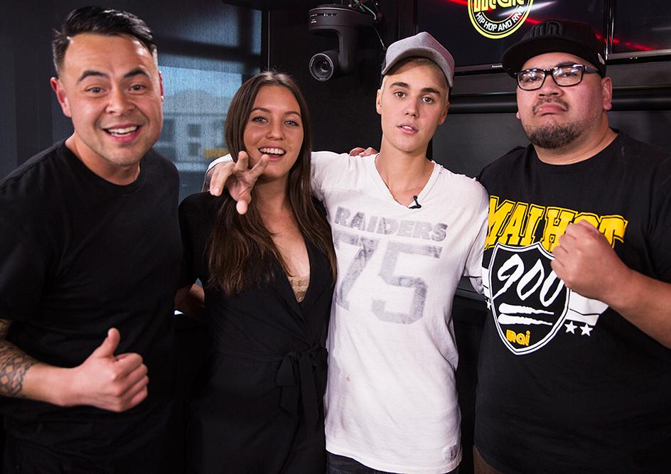 Watch @justinbieber take on @CraigDavid's 'Fill Me In' #Karaoke style with @MaiMorningCrew>> https://t.co/qALnfO205g https://t.co/QgNtvDeP2V