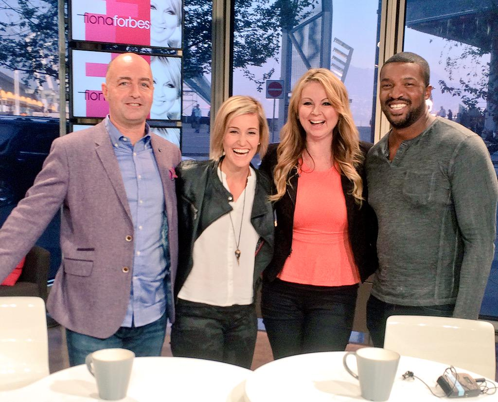 It's a @ContinuumSeries invasion! @SimonDavisBarry @Luvia_Petersen @therogercross join @FionaForbes tonight! http://t.co/CAjHgZHguw