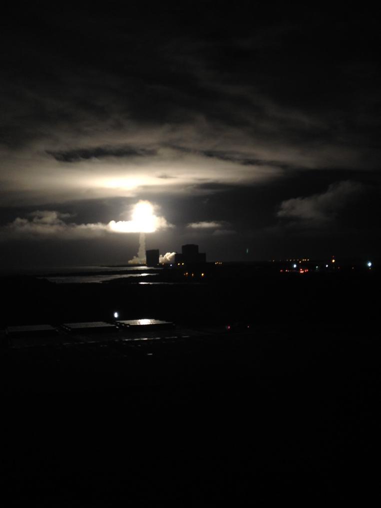 Lanzamiento exitoso! 2 horas 51 para que se separe el satelite Morelos 3 del cohete Centaur. http://t.co/sfeqWH0ZzP