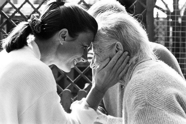 Alzheimer, el no recuerda, tu no olvides lo que hizo por ti. (@McVay3) http://t.co/BJjVtHreJN
