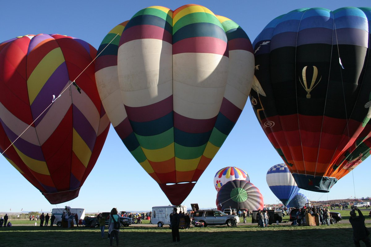 #Welcome to everyone for the 2015 #BalloonFiesta! Have a great time in #ABQ! http://t.co/sJuEhxWqJb http://t.co/WXzig9retp