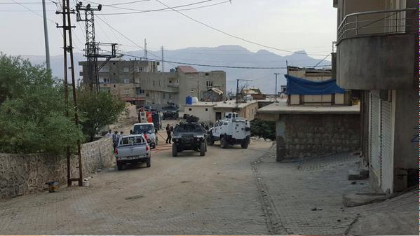 حظر التجول على سكان مدينة جنوب شرقي تركيا - صفحة 6 CQV7Y1TWoAA5Ncx
