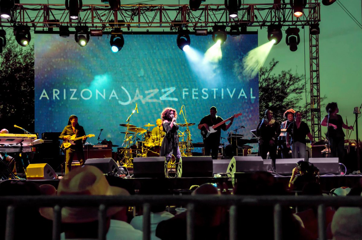 Mark your calendars: @AZJazzFestival Oct 23-25 features @theroots, @tonibraxton and more http://t.co/l1P2rmAyqp http://t.co/1F8xD2jQmr