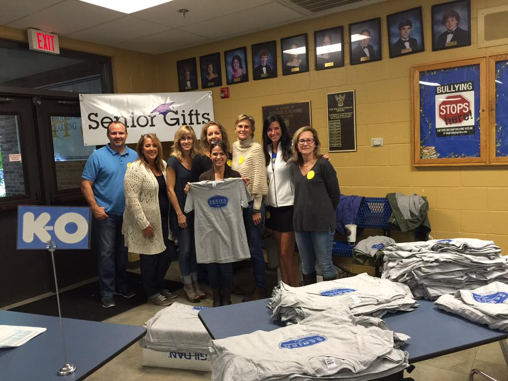 BHS senior parent's decking them out with their official #seniortshirts http://t.co/OeDZ6sV6eq
