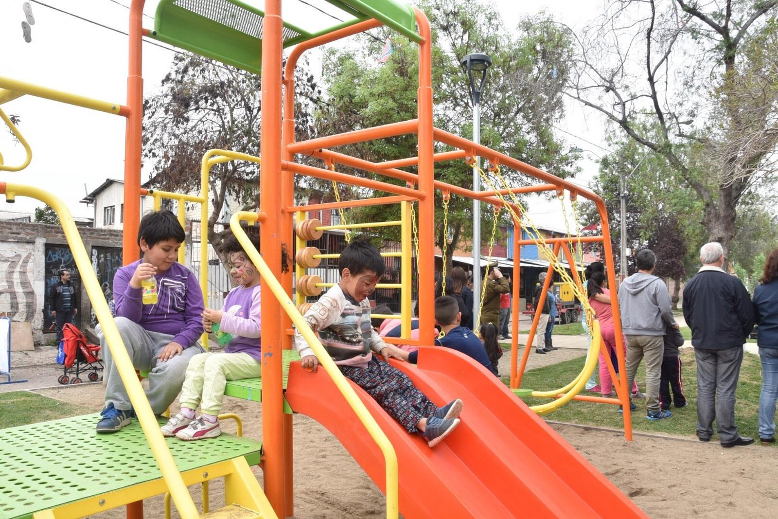 Nuevas áreas verdes y mejoramiento de espacio público en la comuna de La Granja - Página 2 CQZ1d4LWIAAEmsf
