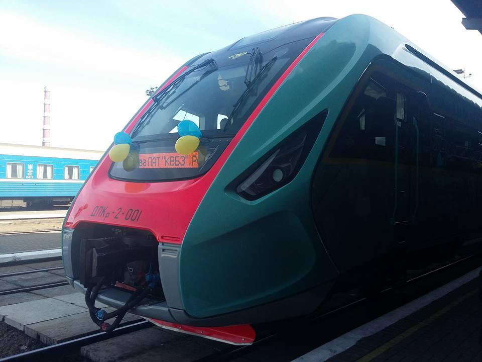 """До конца года """"Укрзализныця"""" получит 1 млрд грн на новые поезда, ремонт парка и полотна, - Яценюк - Цензор.НЕТ 1958"""