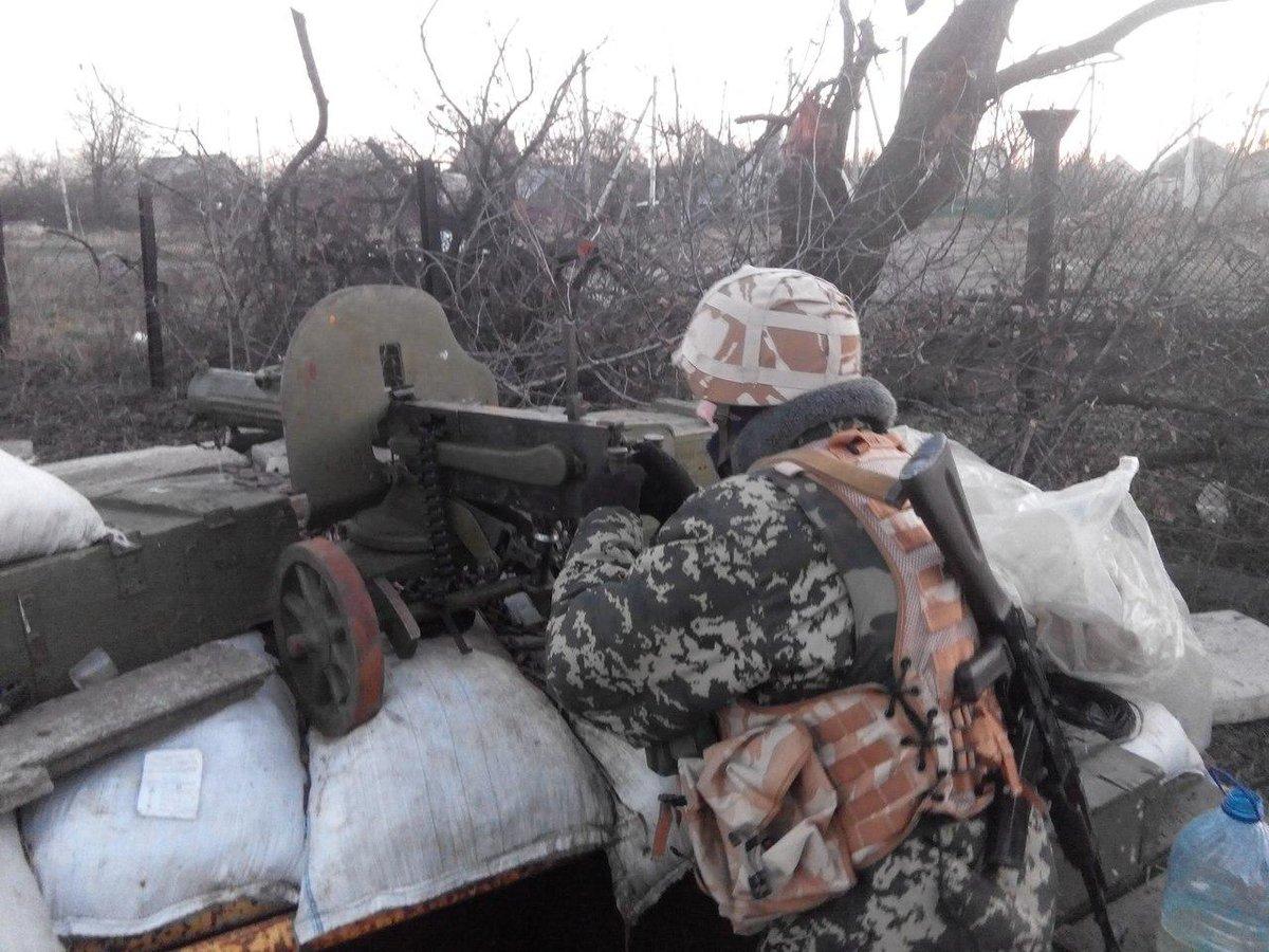 Вооруженные провокации боевиков не повлияют на выполнение договоренностей об отводе вооружения, - штаб АТО - Цензор.НЕТ 5076
