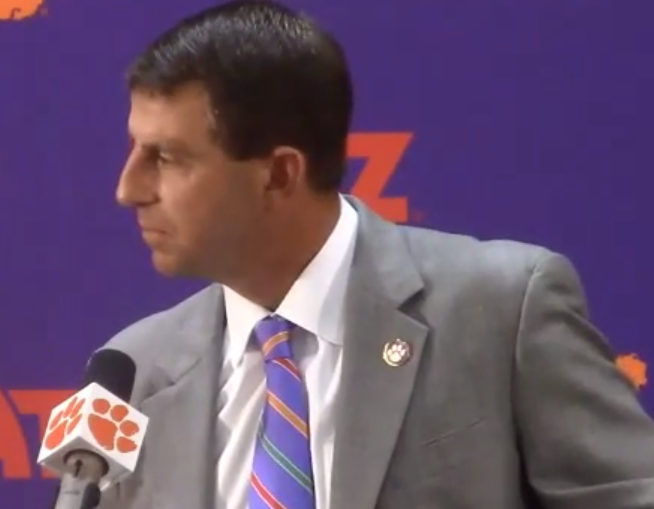 "WATCH: Swinney's epic rant on media using ""#Clemsoning"": http://t.co/NovW5FRXZw http://t.co/1gchcUvdsu"