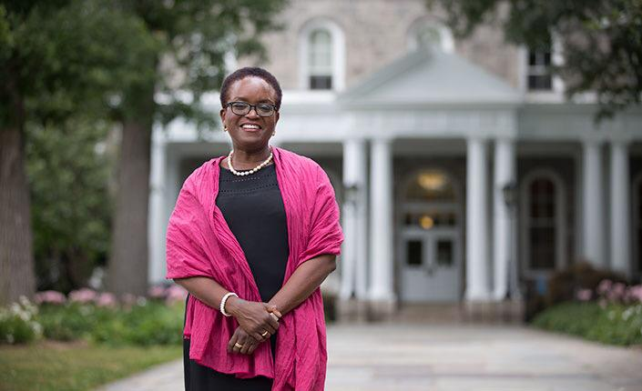 Right now this woman is being installed as President of @Swarthmore College. She's the college's 1ST BLACK PRESIDENT! http://t.co/scqZUkBARu