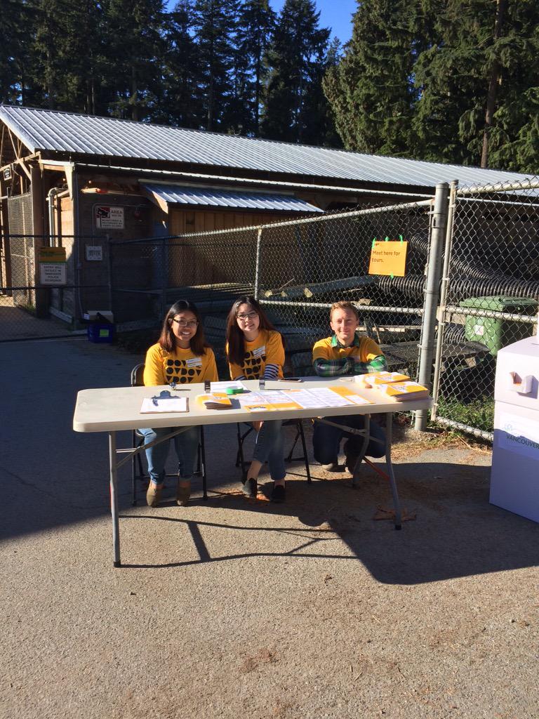 @DoorsOpenVan ~ out cheery volunteers are ready to assist #DoorsOpenVan #👮🏻 #🐴 http://t.co/CTIhE6Oq4i