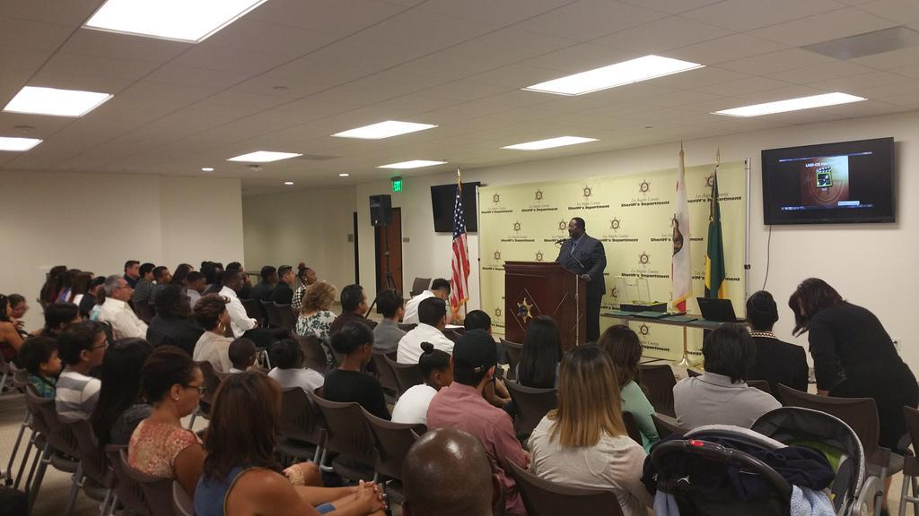 fullhouse 1st graduating class Sheriff's Youth Mentoring Career Guidance Program thank you @mridleythomas @LASDHQ