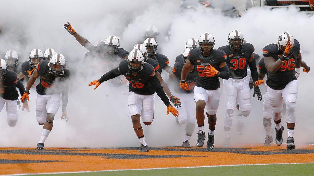 Officiating incompetence gifts Oklahoma State a TD in 36-34 win over K-State http://t.co/L1Hw0cGQri http://t.co/5swnibp24J