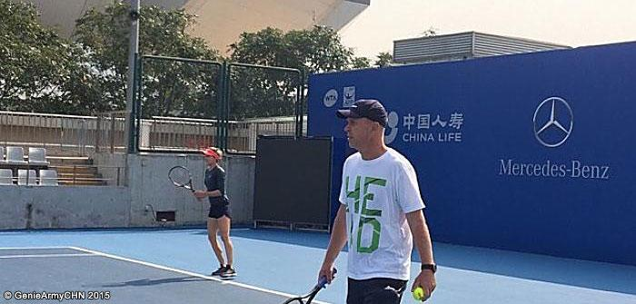 Genie Bouchard escolhe Thomas Hogstedt para a Asian Swing http://t.co/IWMsKv83kx http://t.co/n6tItzffA5