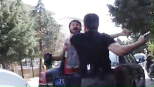 حظر التجول على سكان مدينة جنوب شرقي تركيا - صفحة 6 CQe7Ad9W8AAXVvA